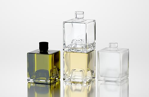 Cubique - packaging 3D model of glass Bottles